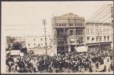 [A Crowd at Portage and Main, Winnipeg, Man.]